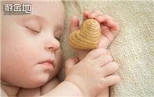 保证宝宝一夜好眠 哄睡三大禁忌需注意
